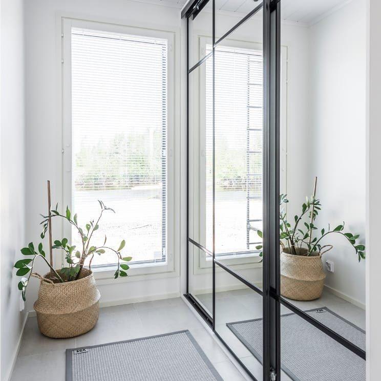 Mirror Line Sverige